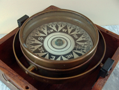 Antique Dry Card Compass in Mahogany Box