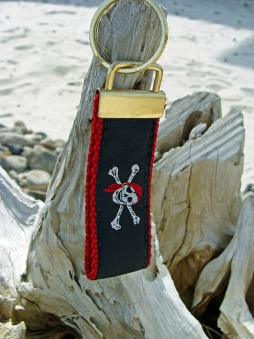 Skull & Crossbones Pirate Key Fob