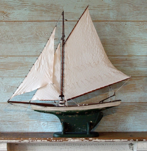 Antique Sloop Pond Boat
